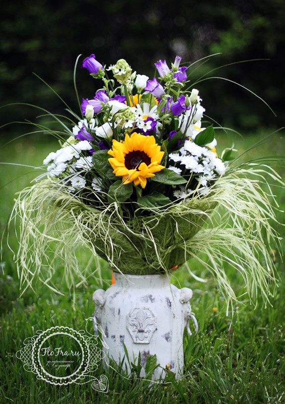 букет цветов иподсолнухи ромашки кемерово цветы на заказ www.flofra.ru