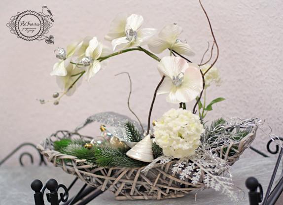 цветочное украшение новый год витрина магалин подарок презент дизайн аранжировка цветы флористика www.flofra.ru.jpg 1