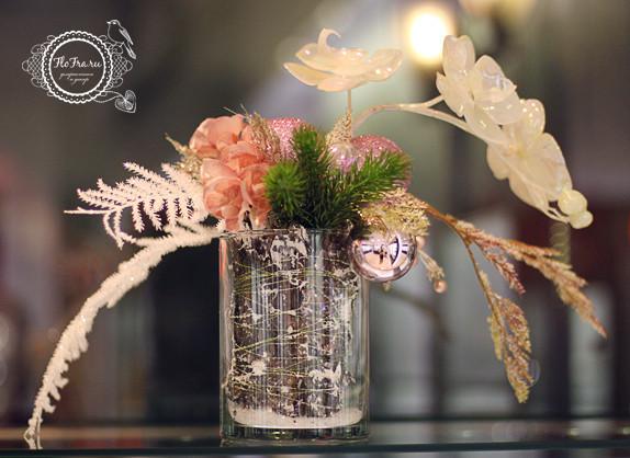 витрина новый год украшение дизайн флористика цветы кемерово дизайн интерьер ваза www.flofra.ru.jpg 2