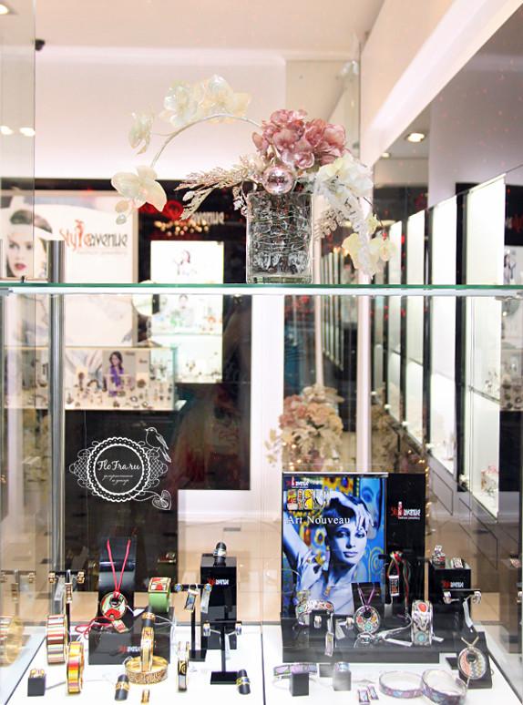 витрина новый год украшение дизайн флористика цветы кемерово дизайн интерьер ваза www.flofra.ru.jpg 6