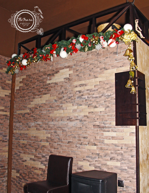 украшение новый год ресторана кафе кемерово комплексное дизайн декор флористика www.flofra.ru.jpg 11
