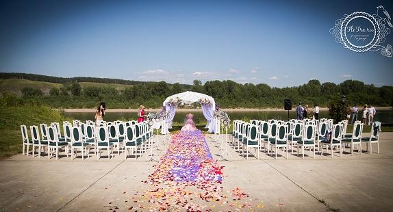 выездная свадьба кмерово флористика невеста букет цветы украшение арка беседка www.flofra.ru