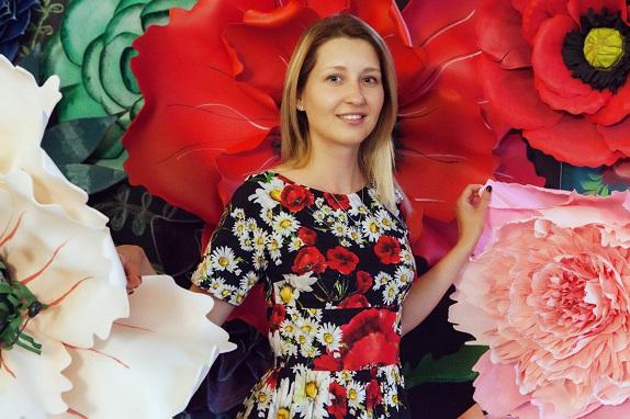 курс по гигантским цветам Кемерово витрина вадьба фотозона украшение ростовыми цветами флористика цветы www.flofra.ru 24