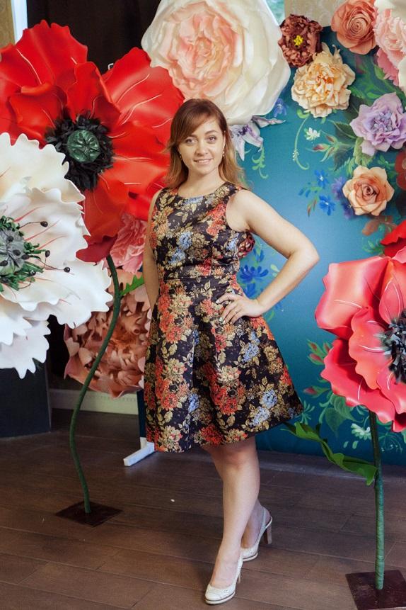 курс по гигантским цветам Кемерово витрина вадьба фотозона украшение ростовыми цветами флористика цветы www.flofra.ru 43