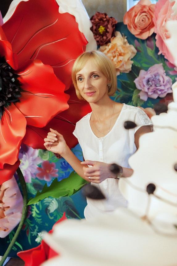 курс по гигантским цветам Кемерово витрина вадьба фотозона украшение ростовыми цветами флористика цветы www.flofra.ru 49