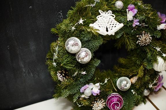 novogodnij-master-klass-dekor-floristika-dekor-shkola-kursy-dosug-kemerovo-kuzbass-centr-moego-dizajna-www-flofra-ru-26