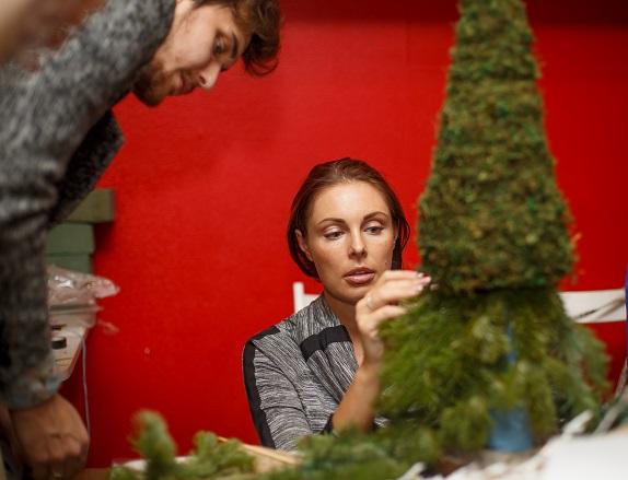 novogodnij-master-klass-dekor-floristika-dekor-shkola-kursy-dosug-kemerovo-kuzbass-centr-moego-dizajna-www-flofra-ru-6