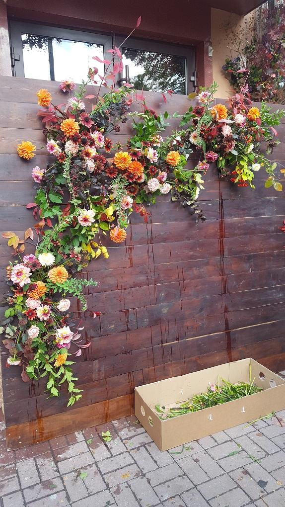 фотозона кемерово цветы декор букет деревянный щит декор Кемерово Кузбасс на заказ www.flofra.ru